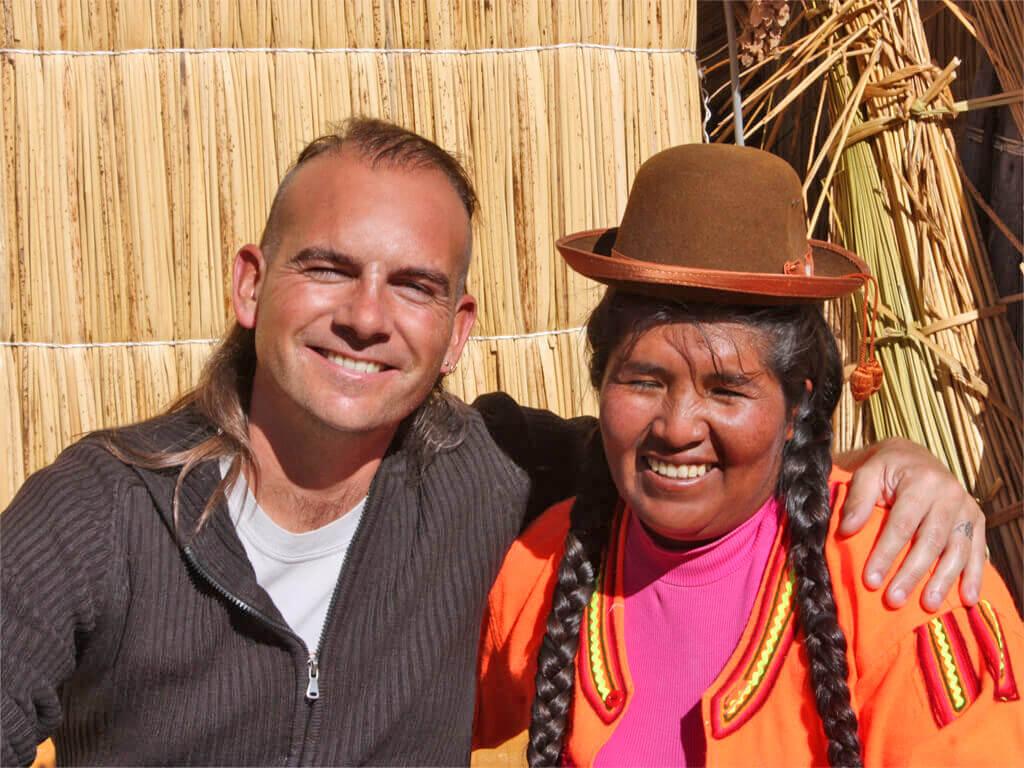 Boris sur une île flottante Uros du lac Titicaca au Pérou