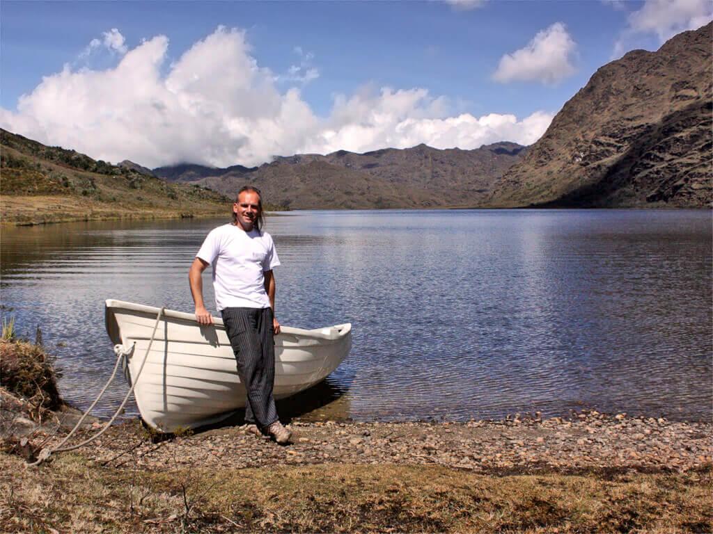 Naviguez sur les lacs andins avec Borisandina