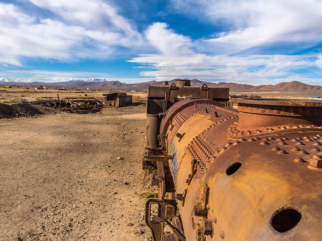 Carcasse de vieux train à Uyuni en Bolivie