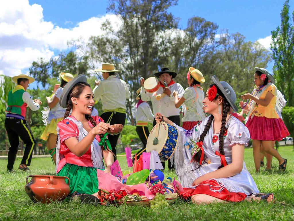 Belles traditions du carnaval Chapaco en Bolivie