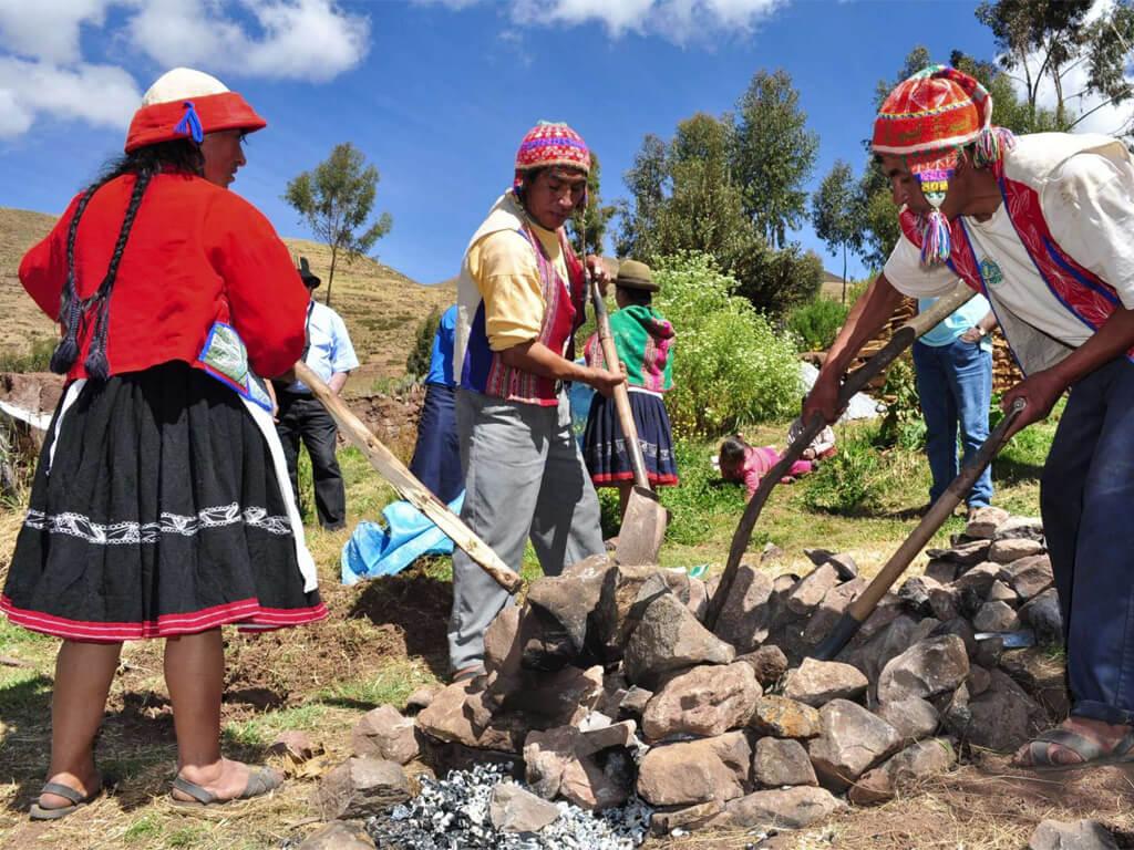 Préparation culinaire andine à Patabamba au Pérou