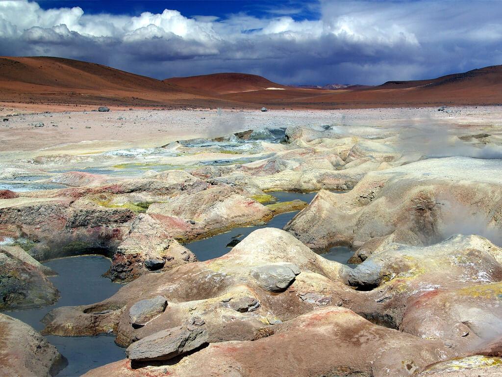 Champ de geysers à Sol de Mañana en Bolivie