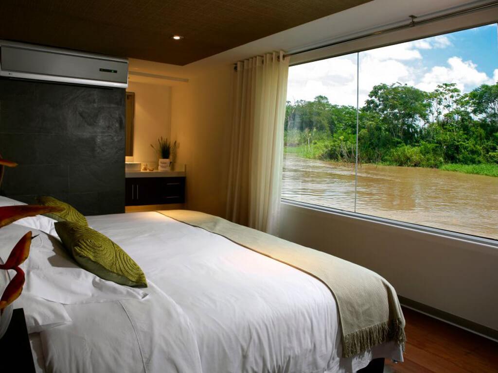 Cabine hôtel à bord d'un bateau sur l'Amazone