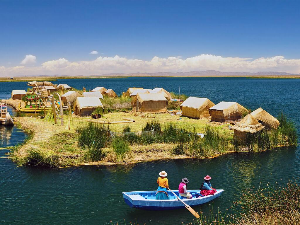 Les îles Uros du lac Titicaca au Pérou