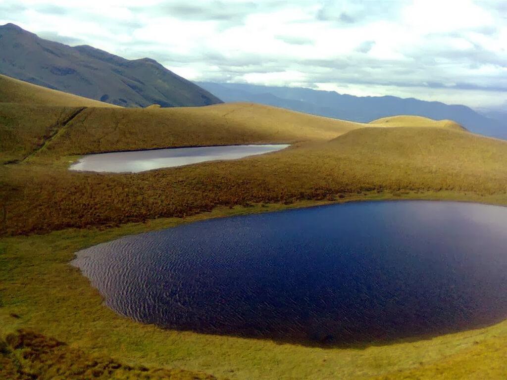 La lagune Cubilche en Équateur