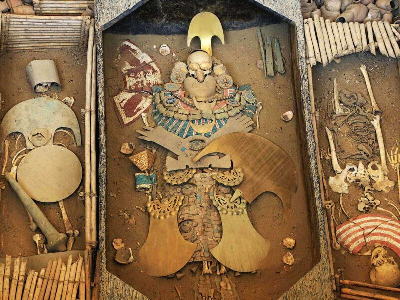 Le seigneur de Sipán de la civilisation Moche au Pérou, le Toutânkhamon d'Amérique