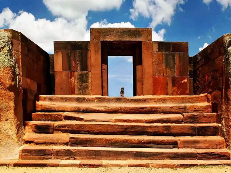Porte du Soleil de la cité perdue à Tiahuanaco en Bolivie