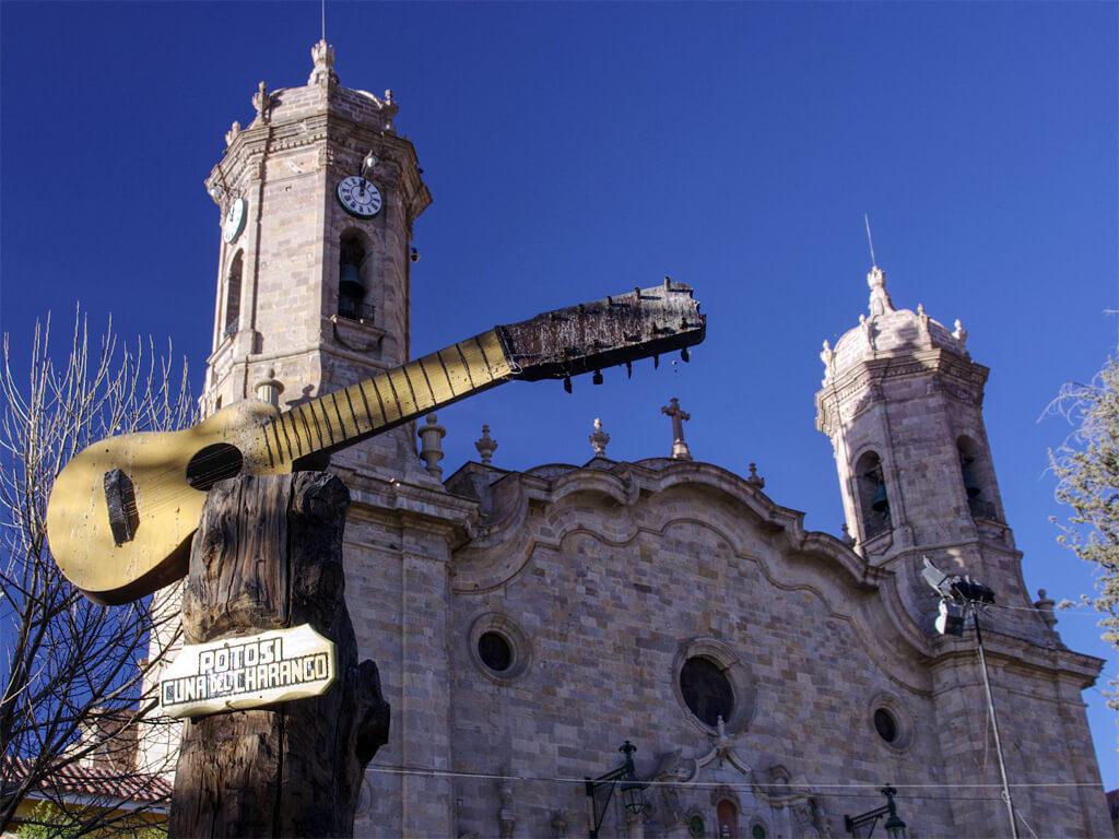 Potosí est la ville originaire du charango