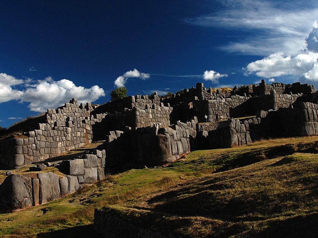 Ruines de la forteresse Sacsayhuamán au Pérou