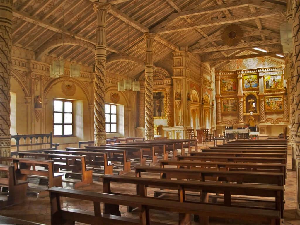 Intérieur d'une église à Santa Cruz en Bolivie