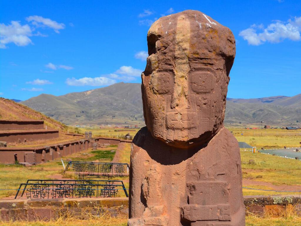 Monolithe Bennett Pachamama à Tiahuanaco en Bolivie