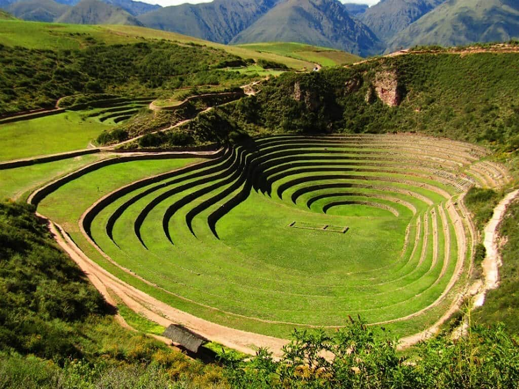 Plateformes agricoles Incas de Moray au Pérou