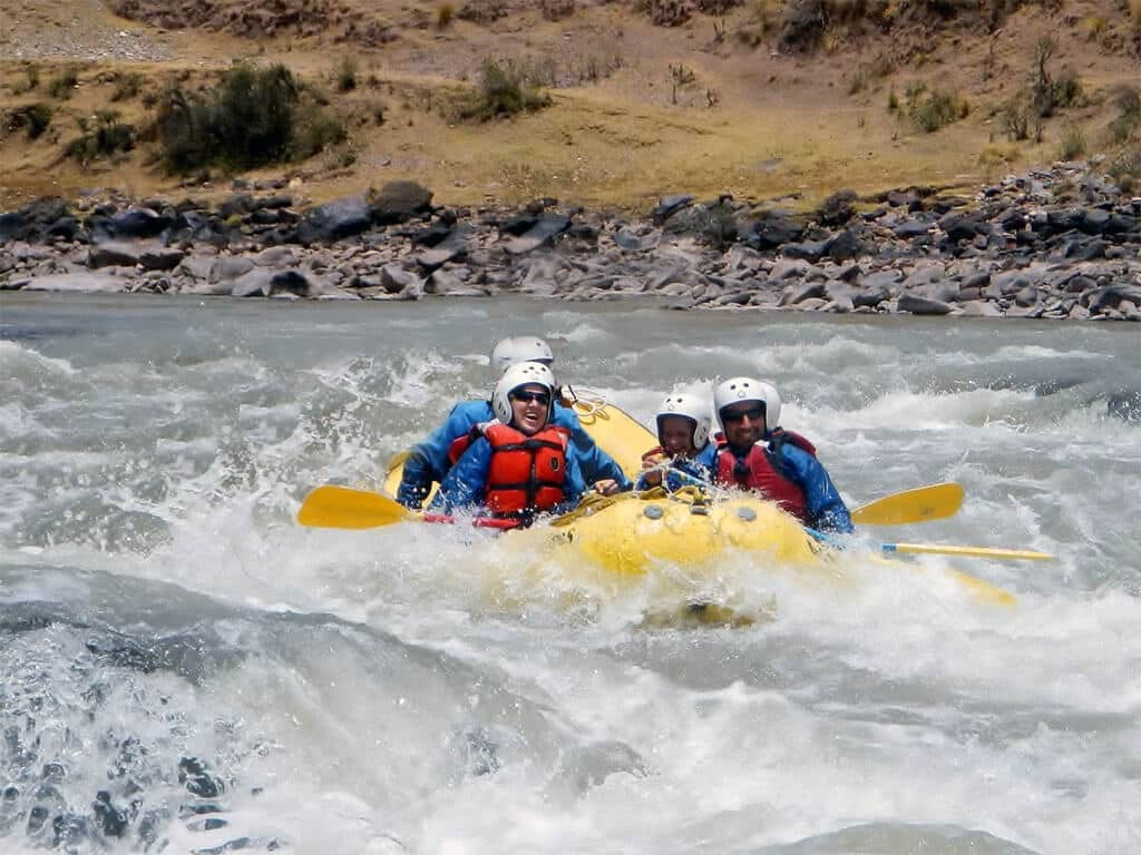 Rafting sur le Ollantaytambo au Pérou