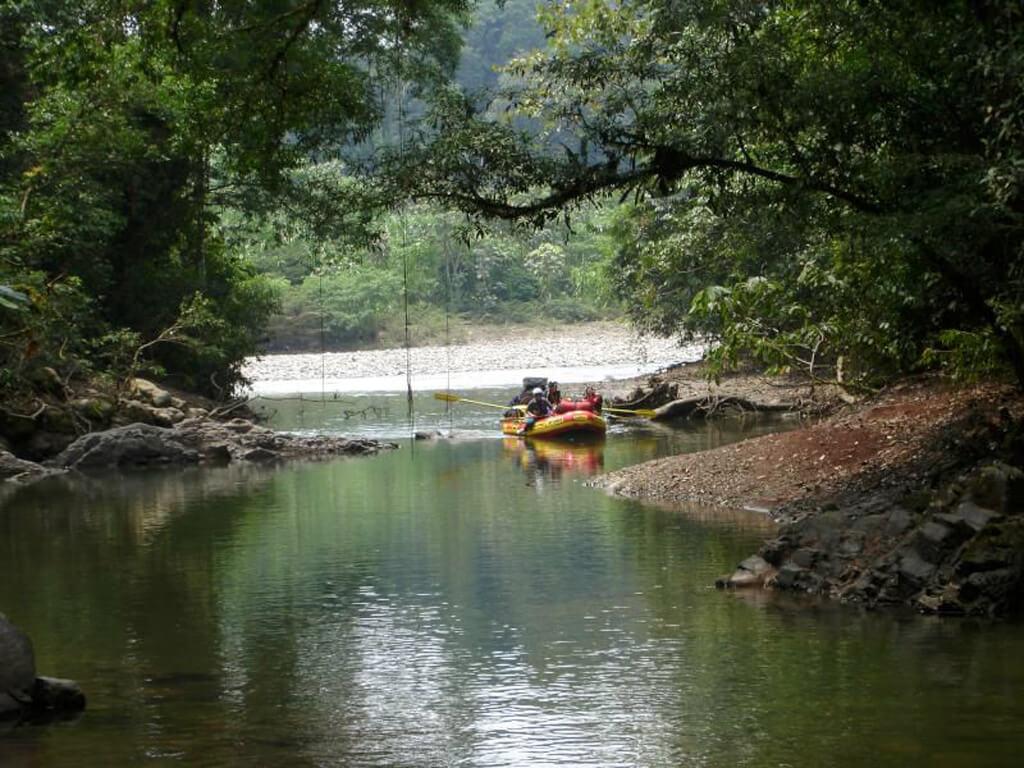 Rafting en pleine jungle sur le Tambopata au Pérou