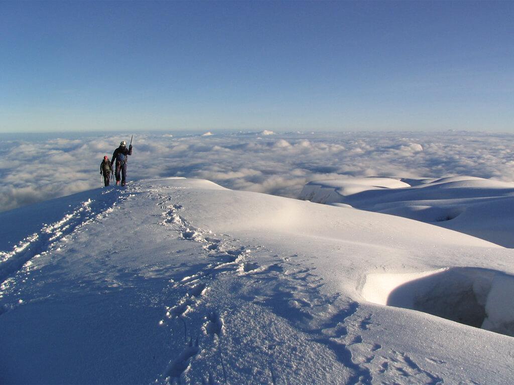 Au sommet du Volcan Chimborazo en Équateur