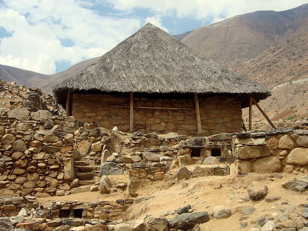 Temple des Mains Croisées de Kotosh au Pérou
