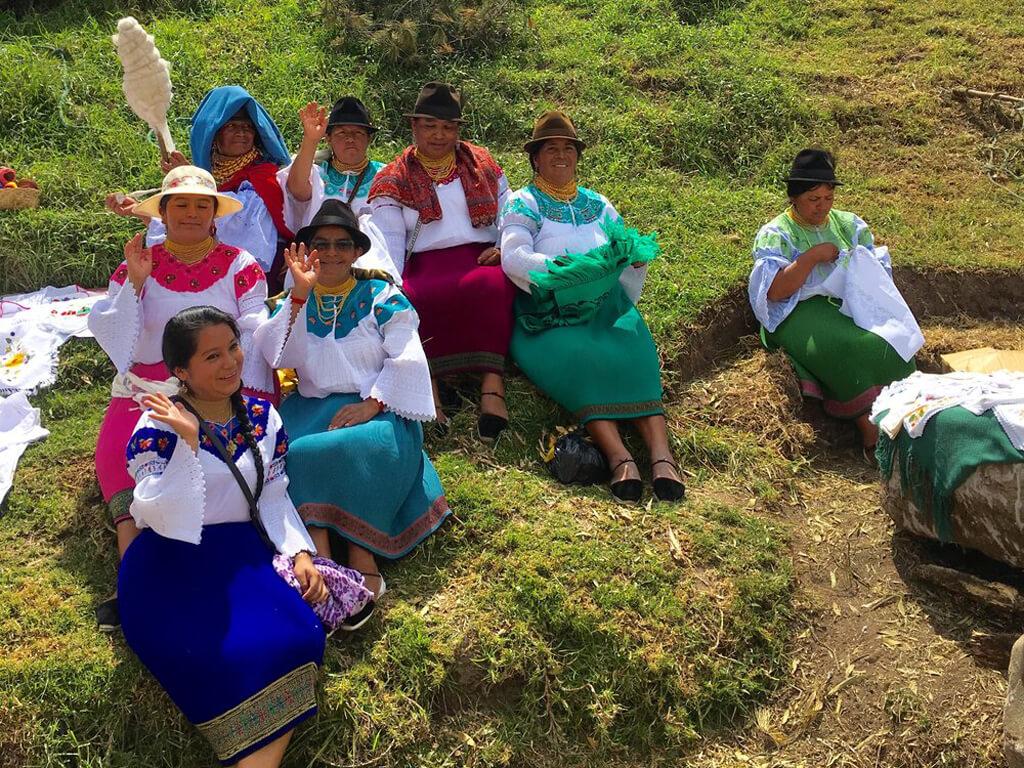 Tisserandes de la communauté San Clemente en Équateur