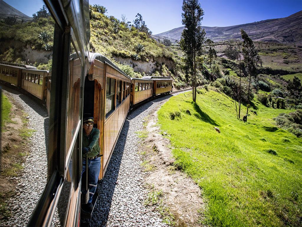 Trajet en train pour Alausí La Nariz del Diablo en Équateur