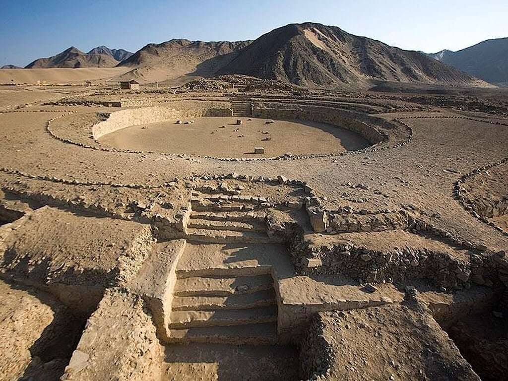 Vestiges de Caral-Supe au Pérou