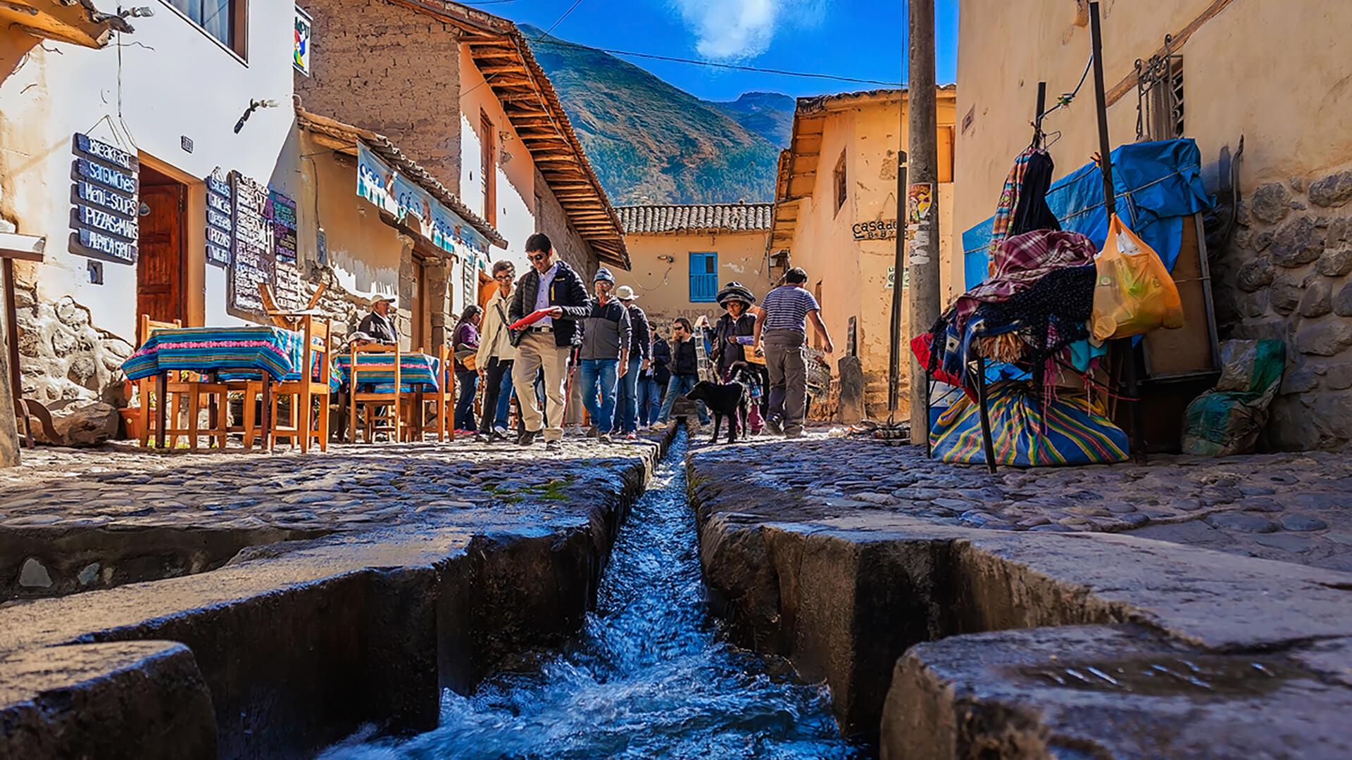 Charmant village de Ollantaytambo au Pérou