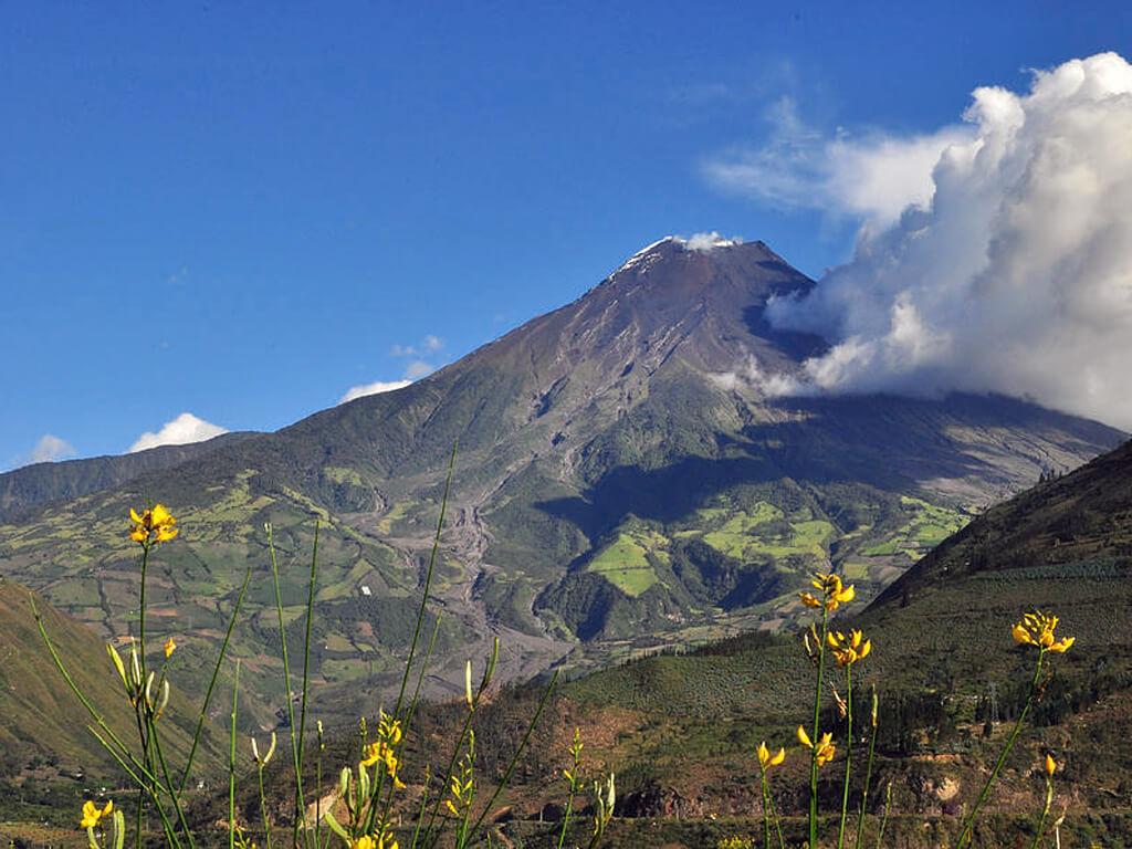 Volcan Tungurahua en Équateur